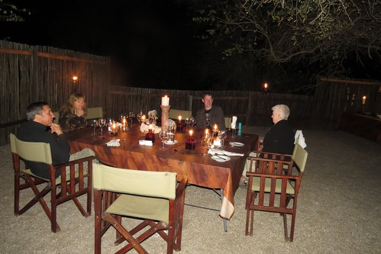 N'kaya Lodge: dinner by candlelight