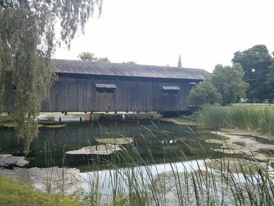 Shelburne Museum: Cover bridge