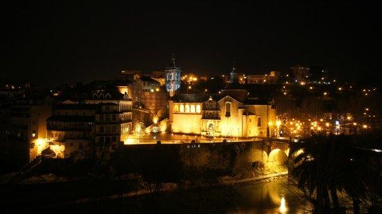 Casa da Calcada Relais & Chateaux : vista cidade - noite
