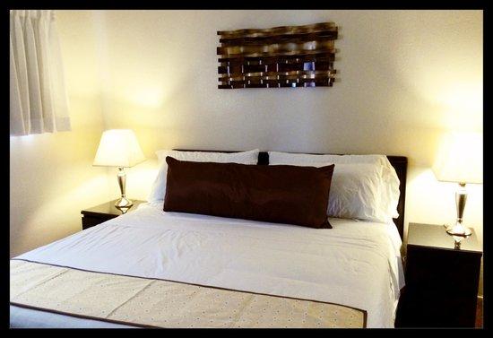St. George Inn & Suites: KING SUITE MASTER BEDROOM