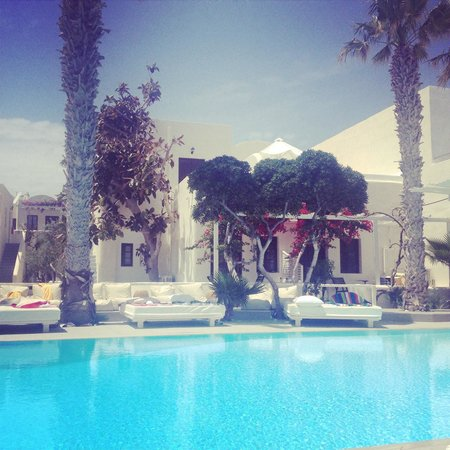 Bellonias Villas: By the pool