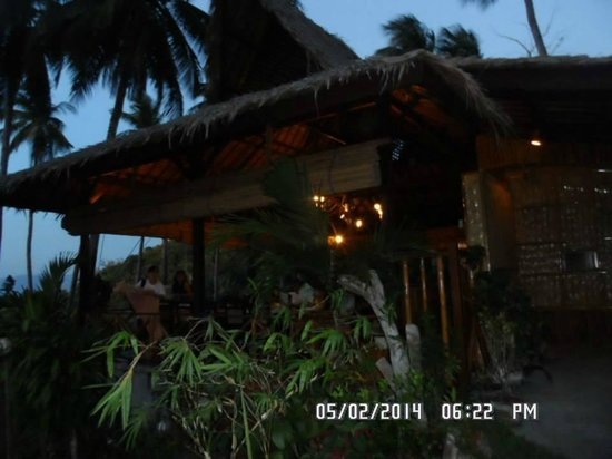 Coco Beach Island Resort : The Restaurant at the TOP of the hill