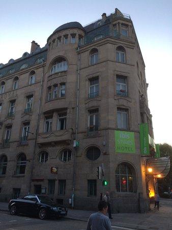 Ibis Styles Metz Centre Gare : Le bâtiment