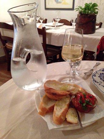 La Buona Forchetta : Surprised with the bread