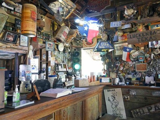 Luckenbach General Store : the saloon