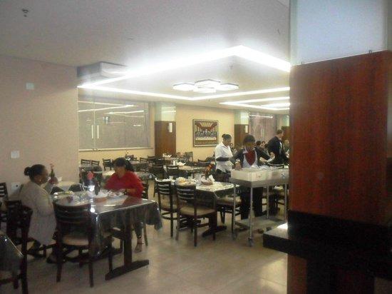 Santuario Palace Hotel: Salão de mesas