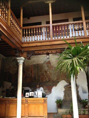 Palacio de Santa Ines: Reception
