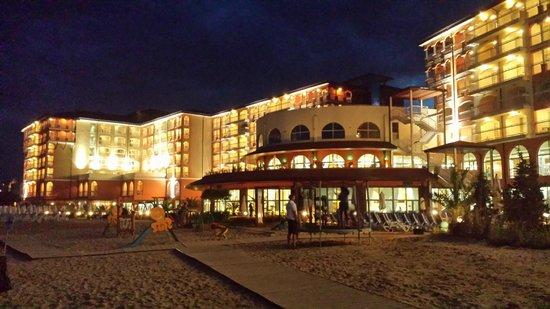 Sol Luna Bay: wieczorem