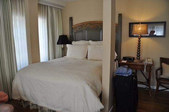 Channel Road Inn - A Four Sisters Inn: queen guestroom