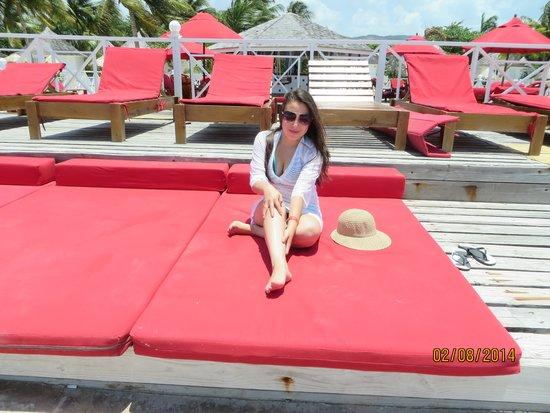 Royal Decameron Club Caribbean: Tomando el sol
