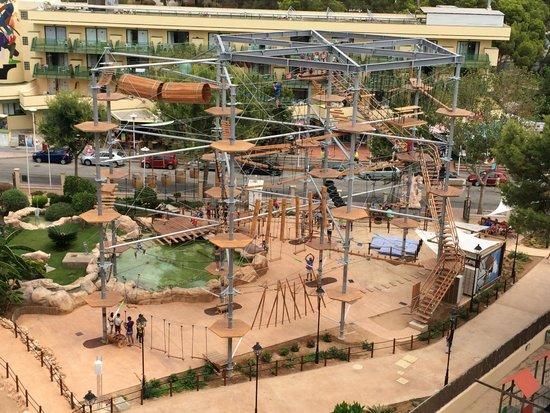 Sol Katmandu Park & Resort: Attraction du parc vue depuis le balcon