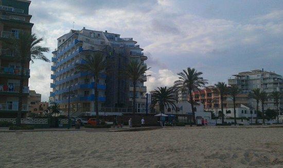 Sunday's Beach : El hotel, es la mitad de la izquierda, el otro es el Hey