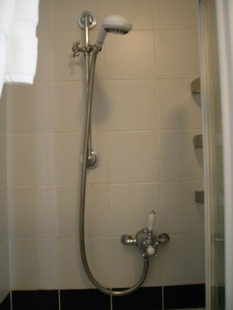 Lakes End Guest House: Shower
