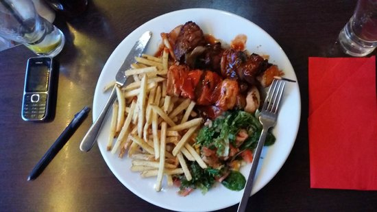 Sam's Steakhouse and Diner: beef and chicken kebabs. very tasty.