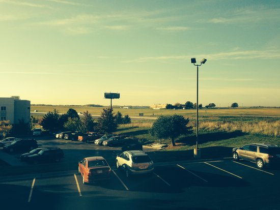 BEST WESTERN PLUS Kansas City Airport-KCI East: View to the South