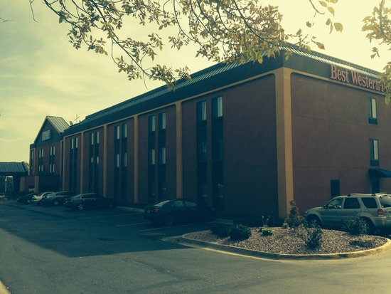 BEST WESTERN PLUS Kansas City Airport-KCI East: Building Front