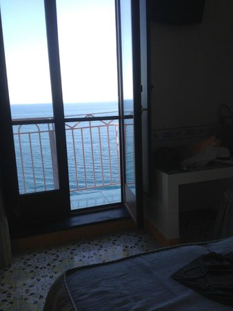 Hotel Locanda Costa Diva: view from the bed