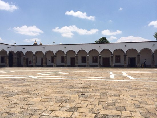Instituto Cultural Cabanas : Paz!