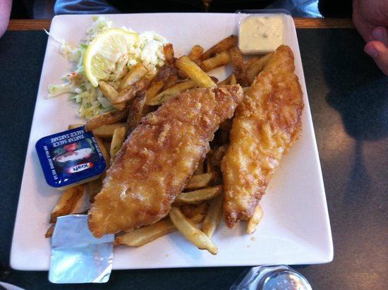Bay Street Cafe: Fish n Chips