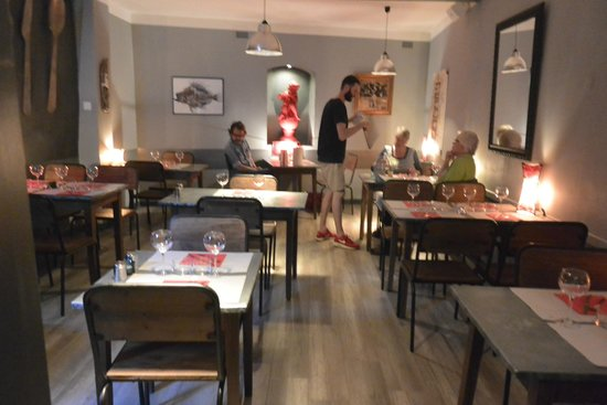 La Cuisine des Anges : laid-back staff giving ample information