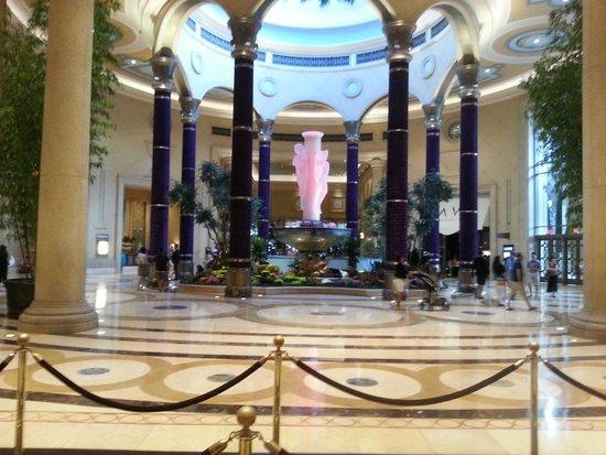 The Palazzo Resort Hotel Casino: Lobby