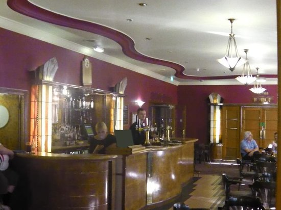 Tavistock Hotel: Side bar off reception