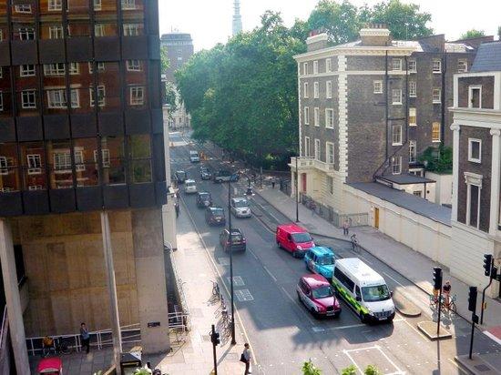 Tavistock Hotel: Bedroom view