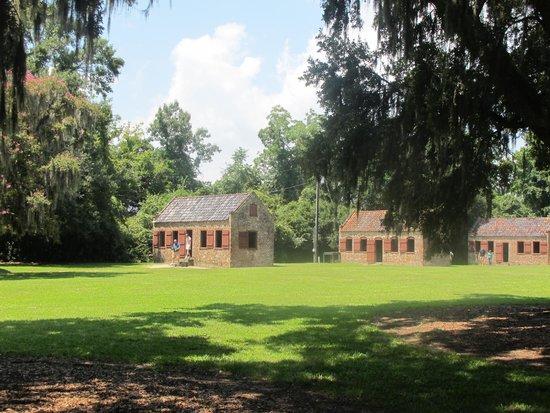 Boone Hall Plantation : Slave houses