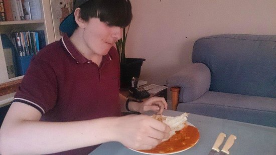 Bexhill Shiplu Tandoori: Eating duck with chips and a poppadom :)