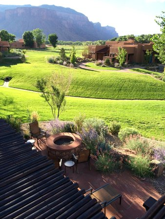 Gateway Canyons Resort, A Noble House Resort: Aries - Casita 305 - Patio Area and Firepit