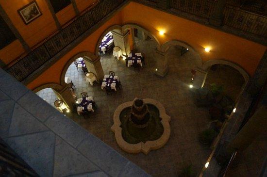 Hotel Morales Historical & Colonial Downtown Core: Uitzicht van 2e verdieping