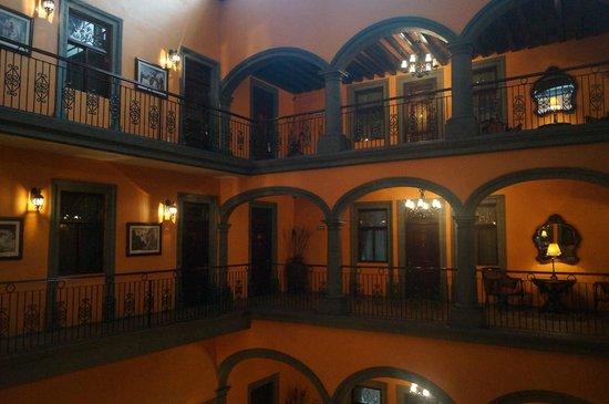 Hotel Morales Historical & Colonial Downtown Core: Verdiepingen