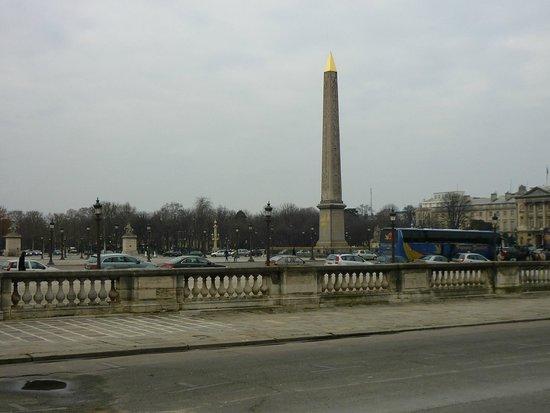 Place de la Concorde: Plaza de la Concordia, llamada antes Plaza de la Revolución.