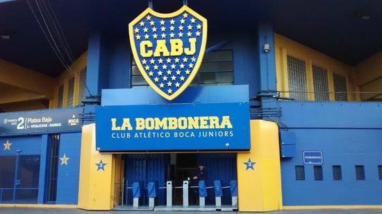 Estadio Alberto J. Armando (La Bombonera) : A bela entrada.