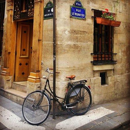 Ile Saint-Louis: charm in every corner