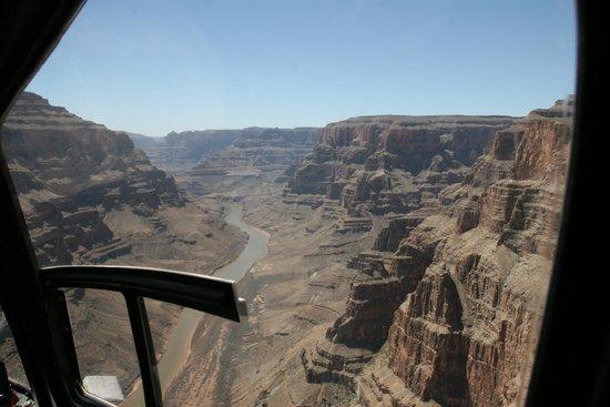 Serenity Helicopters : Colorado River