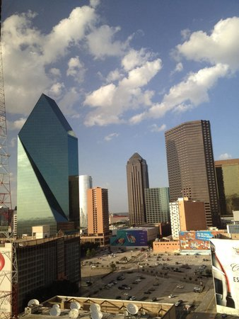 Crowne Plaza Hotel Dallas Downtown : Room 1904 view