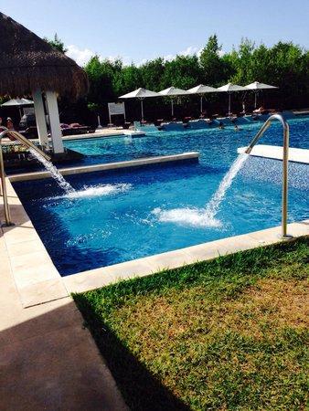 Paradisus Playa del Carmen La Perla: Royal service pool