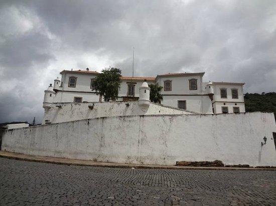 Praca Tiradentes: Antigo Palácio dos Governadores, atual museu da EFOP