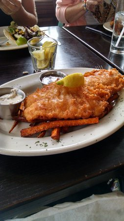 Trinity Pub: Fish & Chips...served over fries