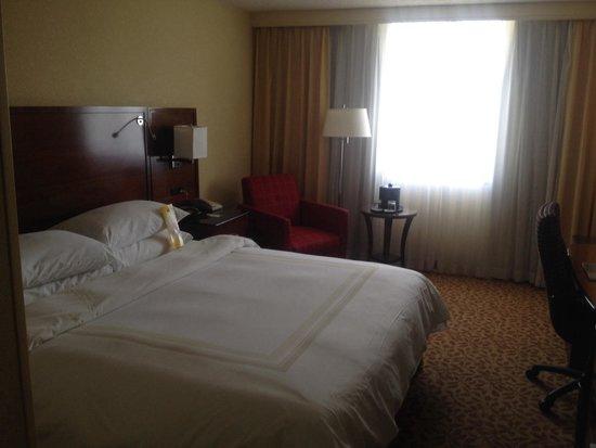 Tampa Marriott Westshore: 14th floor.  King room.
