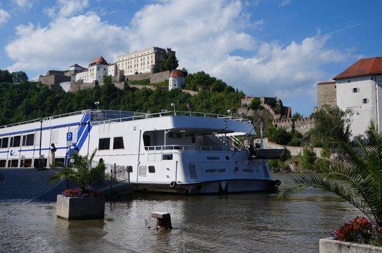 Altstadt-Hotel Passau: Riverfront