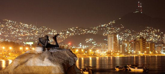 Akapulko, Meksika: Acapulco's night lights.-