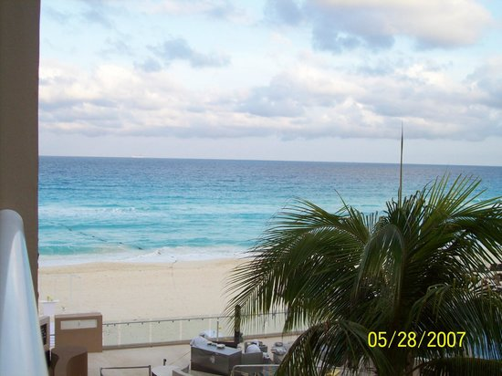 Hard Rock Hotel Cancun: Ocean View from RM 211