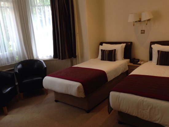 BEST WESTERN Burns Hotel Kensington: Twin bedroom