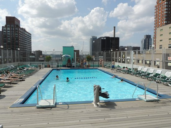 The Watson Hotel: A view of the rooftop pool