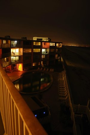 Paradise Beach Club: All lit up!  From unit 449