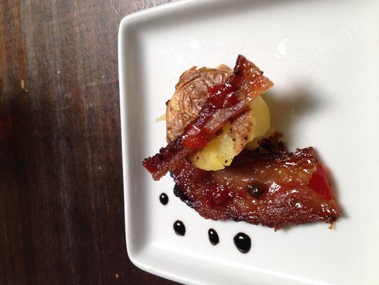 Williamson Wines Tasting Room: Yukon gold potato with bacon and dots of balsamic