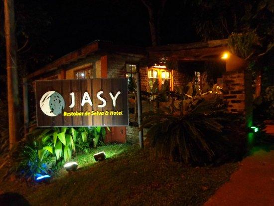 Jasy Hotel : frente del hotel