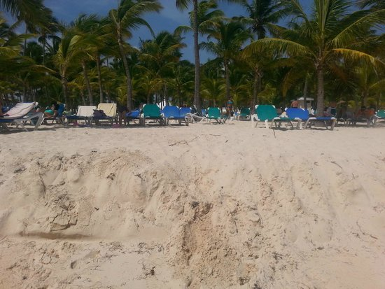 "ClubHotel Riu Bambu: view of the beach from the OCEAN , note the ""lip"" that seperates the ocean from the beach - good"